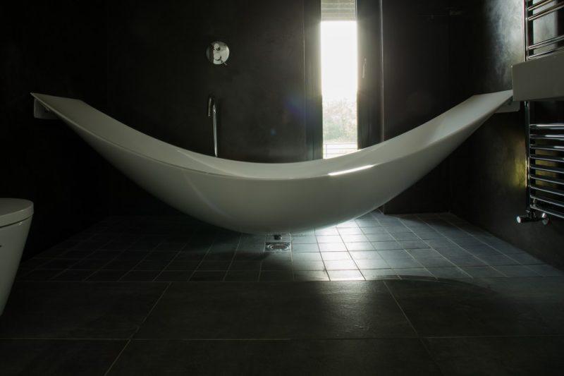 kontejnerovy-dum-hammock-tub-800x533