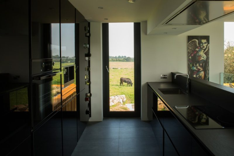 kontejnerovy-dum-kitchen-800x533