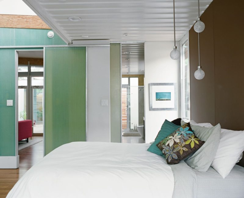 shipping-container-home-master-bedroom-800x648